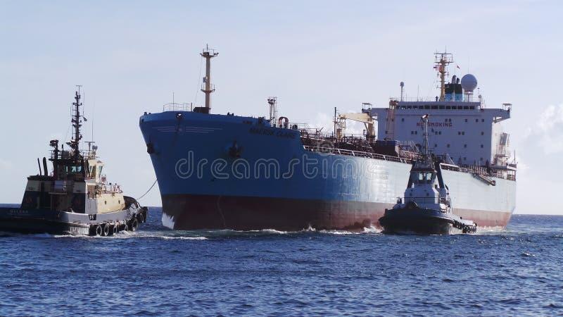 Entre de bateau-citerne images stock