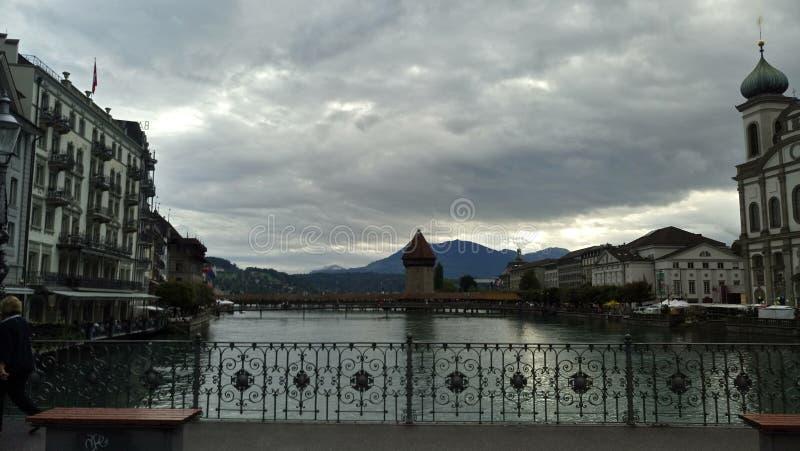 Entre las nubes del cielo fotos de archivo libres de regalías