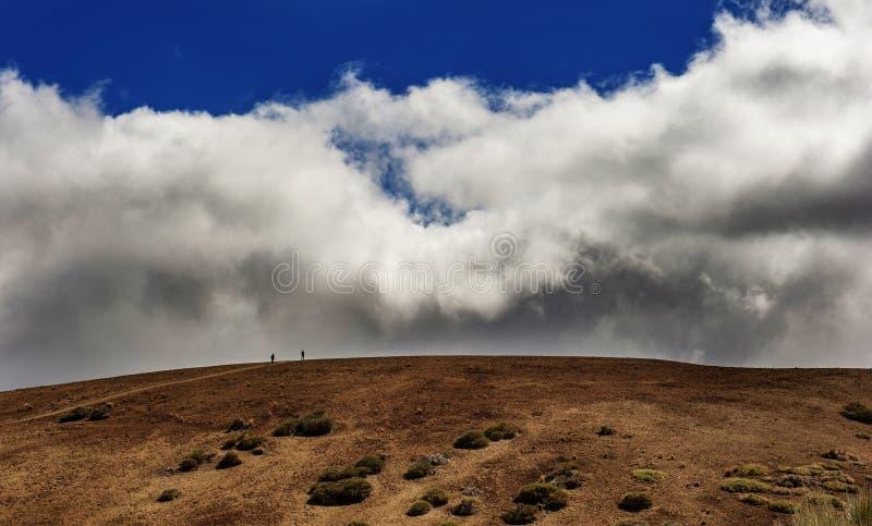 Entre le ciel et la terre photo libre de droits