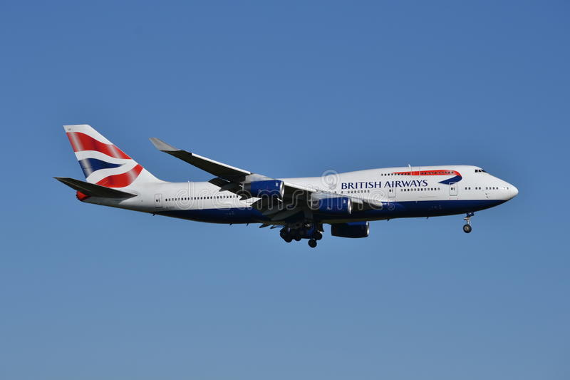 Entre le ciel et la terre de British Airways Boeing 747 photo stock
