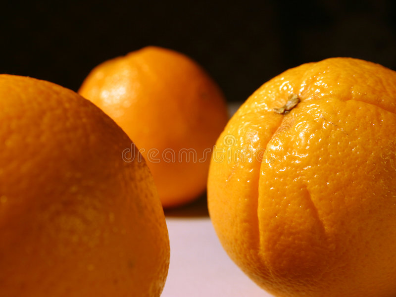 Download Entre les oranges image stock. Image du orange, fruit, fruits - 62027