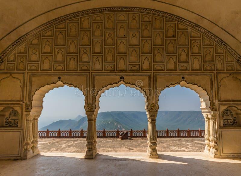 Entre Nova Deli e Paquistão, uma região desertic famosa de seus castelos, de seus povos coloridos, e dos poços de água sofisticad imagem de stock royalty free