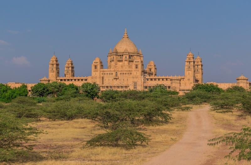 Entre Nova Deli e Paquistão, uma região desertic famosa de seus castelos, de seus povos coloridos, e dos stepwells sofisticados fotos de stock