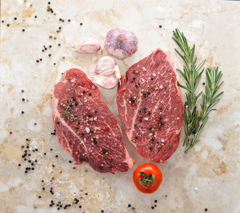 Entrecôte crudo della bistecca di Ribeye della carne fresca fotografia stock