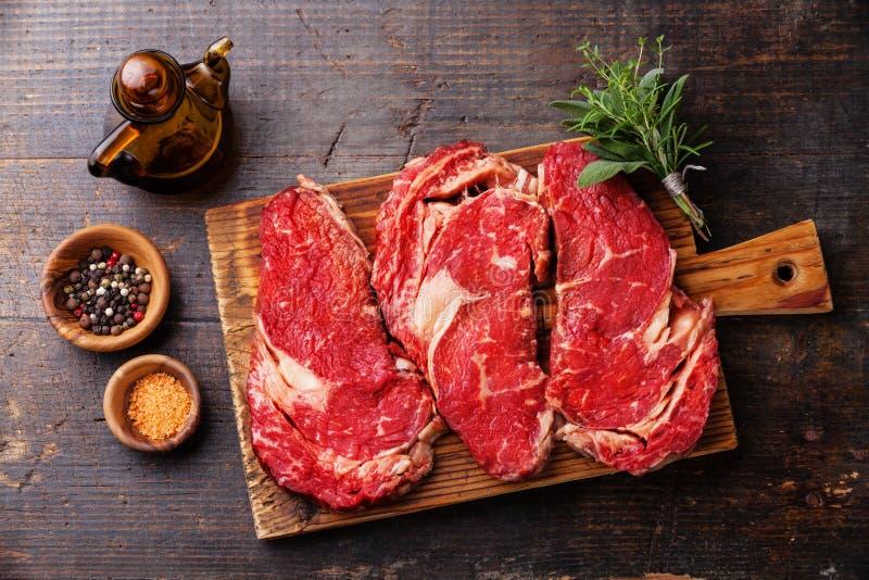Entrecote cru do bife de Ribeye da carne fresca imagem de stock royalty free