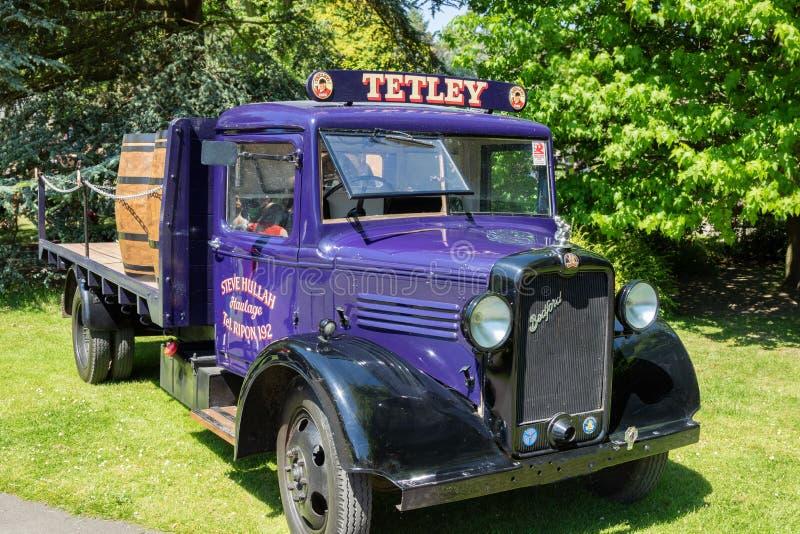 entrega Van do estilo antigo dos anos 40 imagem de stock royalty free