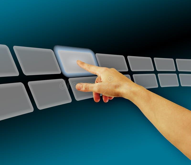 Entregue imagens da consultação no espaço virtual da tela de toque fotos de stock