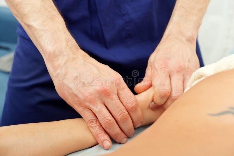 Entregue a massagem imagem de stock royalty free