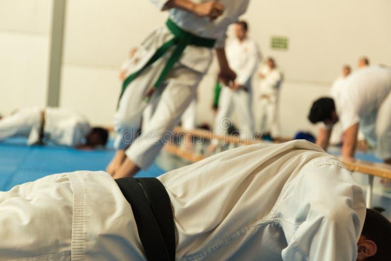 entrenamiento del arte marcial imagenes de archivo