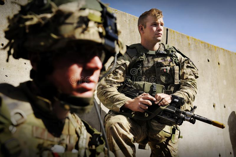 Entrenamiento del desierto del ejército de la infantería foto de archivo libre de regalías
