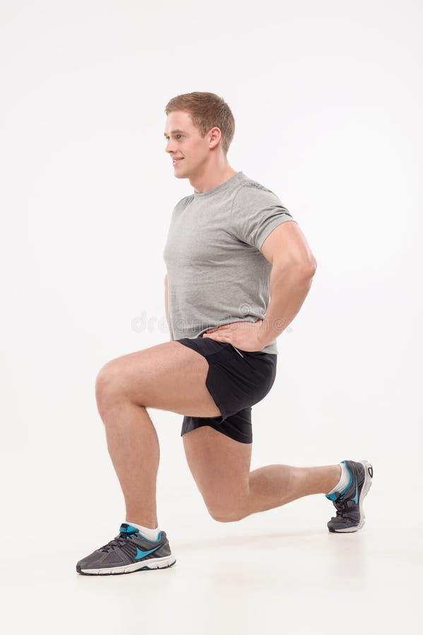 Download Entrenamiento en gimnasio foto de archivo. Imagen de ejercicio - 41921466