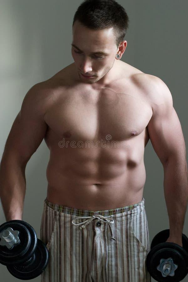 Entrenamiento muscular del individuo fotos de archivo