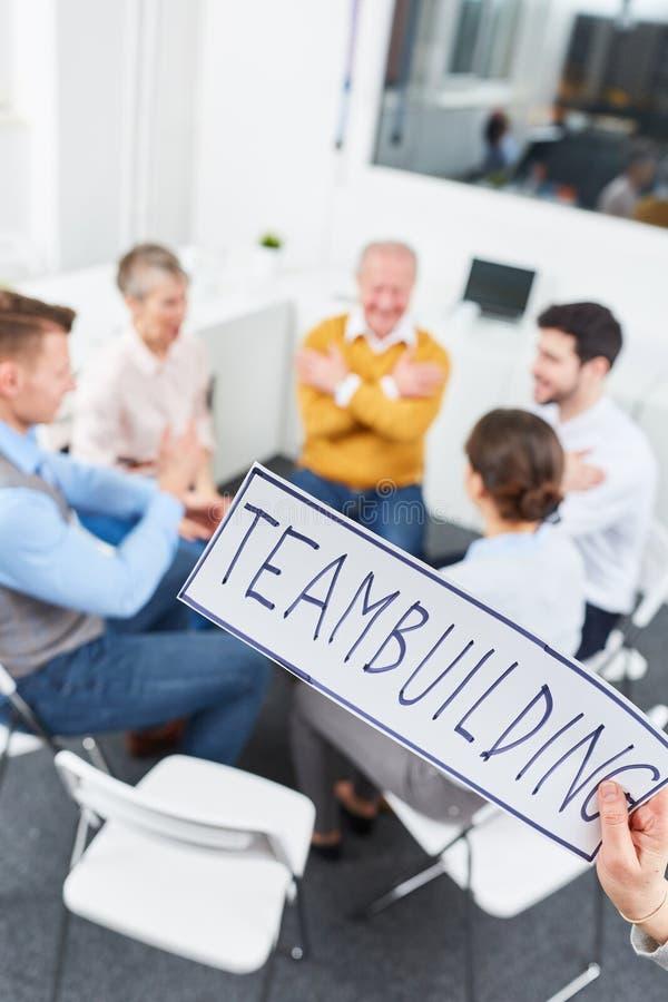 Entrenamiento teambuilding del negocio imágenes de archivo libres de regalías