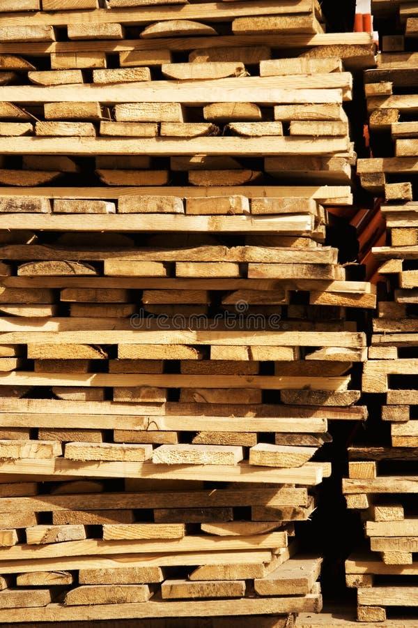 Entrepôt des panneaux en bois images stock