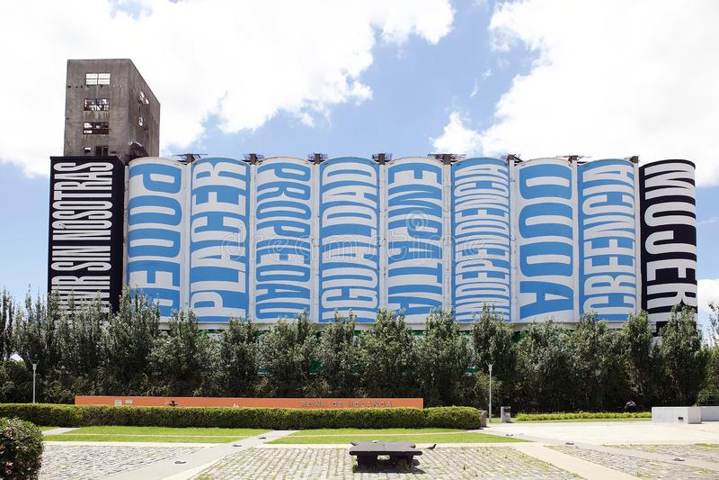 Entrepôt réutilisé dans Puerto Madero à Buenos Aires, Argentine photos stock