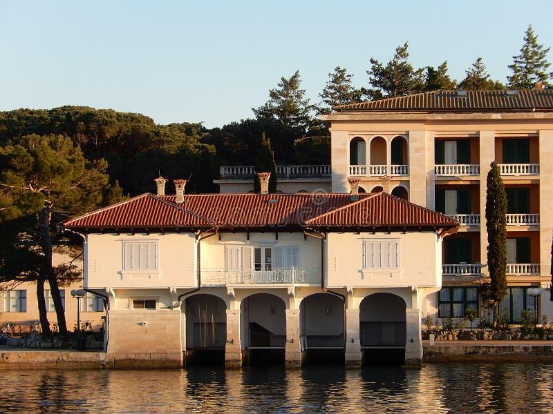 Entrepôt de bateau, Brijuni, Croatie images stock