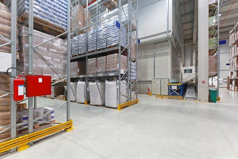 Entrepôt de distribution photos stock