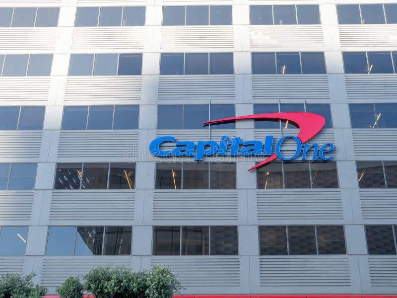 Entreprise de cartes de CapitalOne, de finances et de crédit, emplacement de bureau dedans photos stock