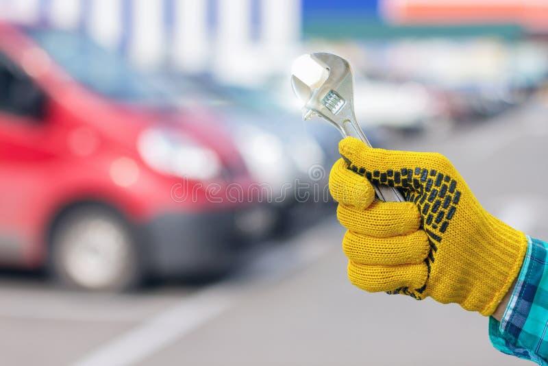 Entretenez l'automobile de réparation photographie stock libre de droits