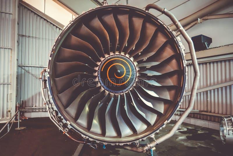 Entretien de moteur d'avion photos stock