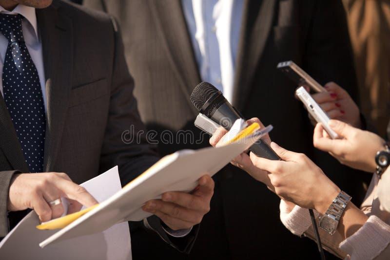 Entrevista de los media imagen de archivo libre de regalías