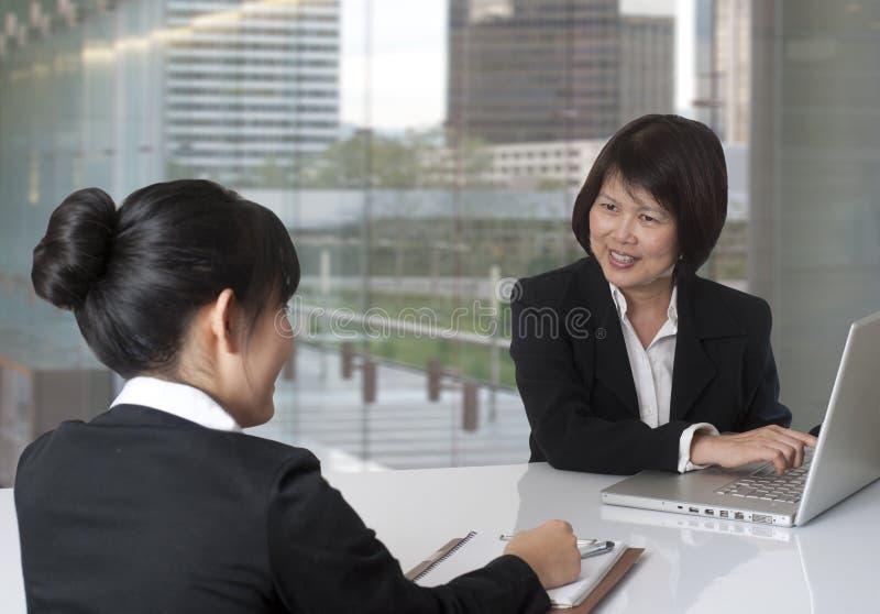 Entrevista do escritório fotografia de stock royalty free