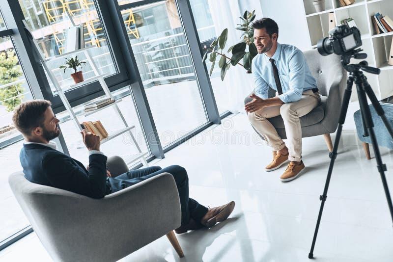 Entrevista do negócio imagens de stock