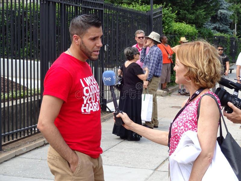 Entrevue à l'ambassade cubaine images libres de droits