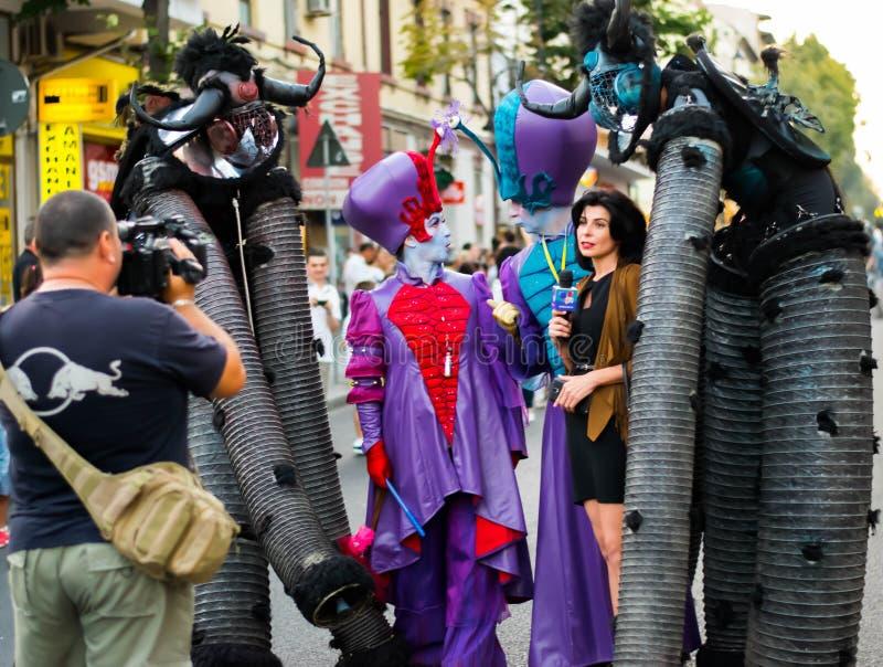 Entrevue aux artistes de rue photo libre de droits