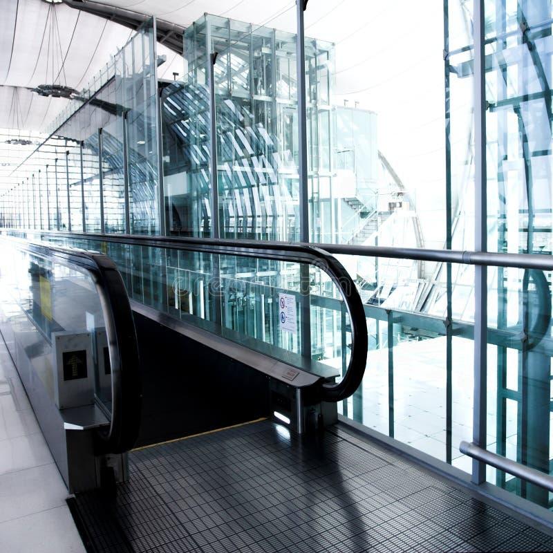 Entrez à l'escalator photographie stock