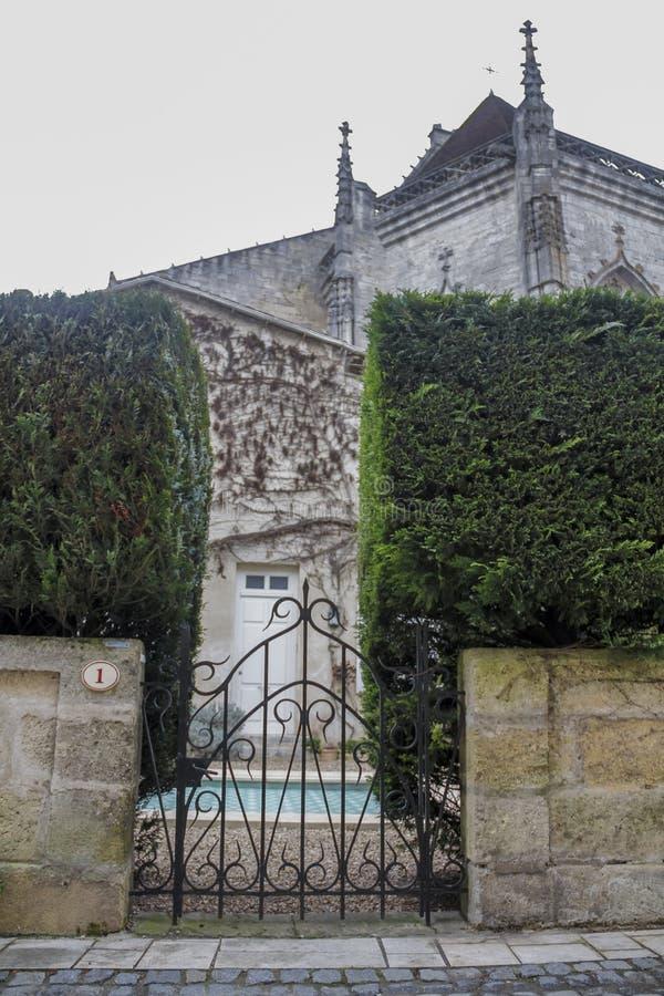Entrez dans le jardin médiéval photos stock