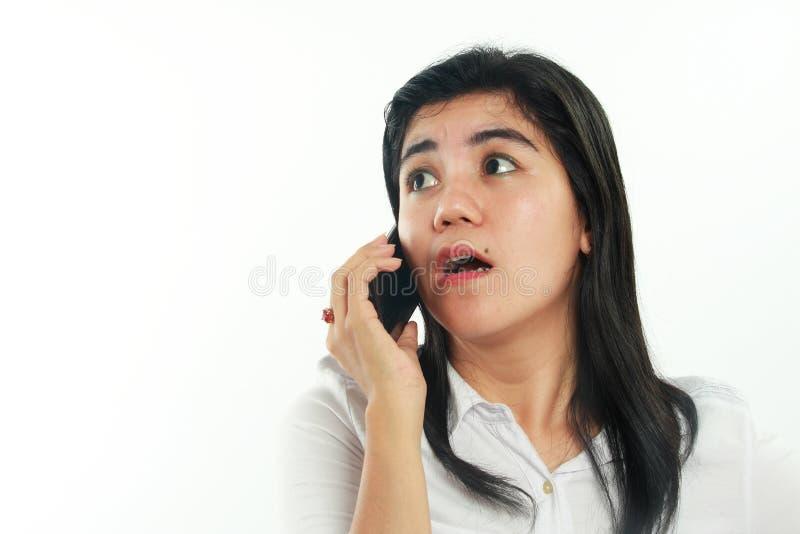 Asiatin Geht Während Des Telefonsex Fremd