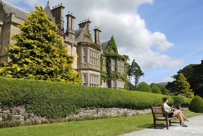Entspannen Sie sich im irischen Park lizenzfreies stockfoto