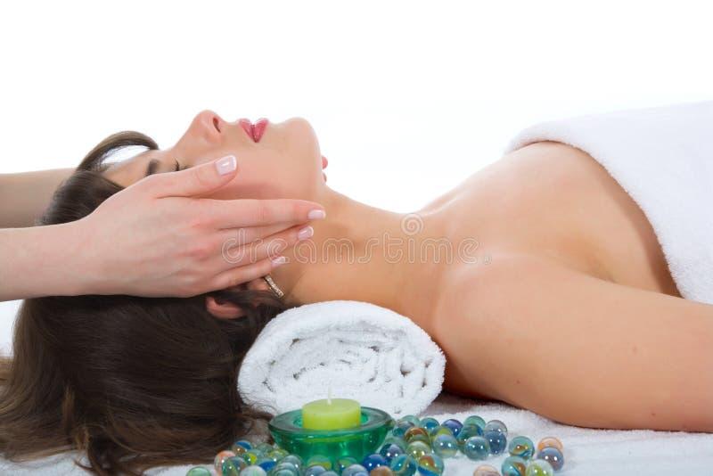 Entspannen Sie sich Massage zum Mädchen stockfotos