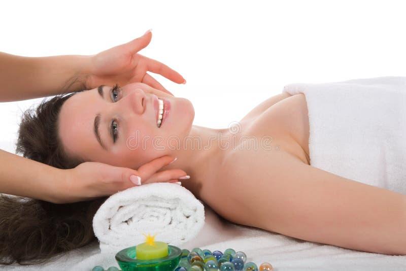 Entspannen Sie sich Massage zum Mädchen lizenzfreie stockbilder