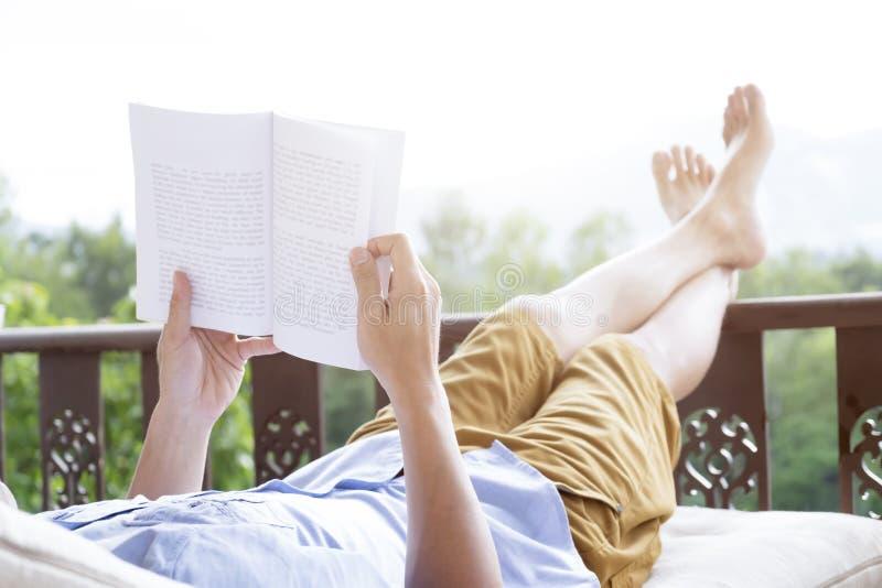Entspannen Sie sich oder Bildungshintergrundidee stockfoto