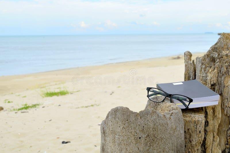 Download Entspannung Auf Dem Strand 4 Stockbild - Bild von landschaft, strand: 96933295
