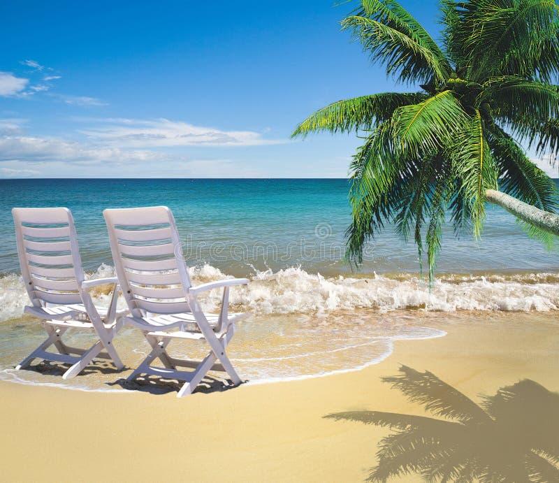 Entspannung auf schönem Strand stockbilder
