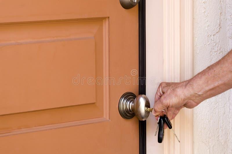 Entsperren der Tür stockfotografie