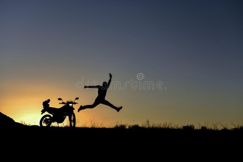 Entusiasta del motociclo - spirito avventuroso fotografie stock libere da diritti