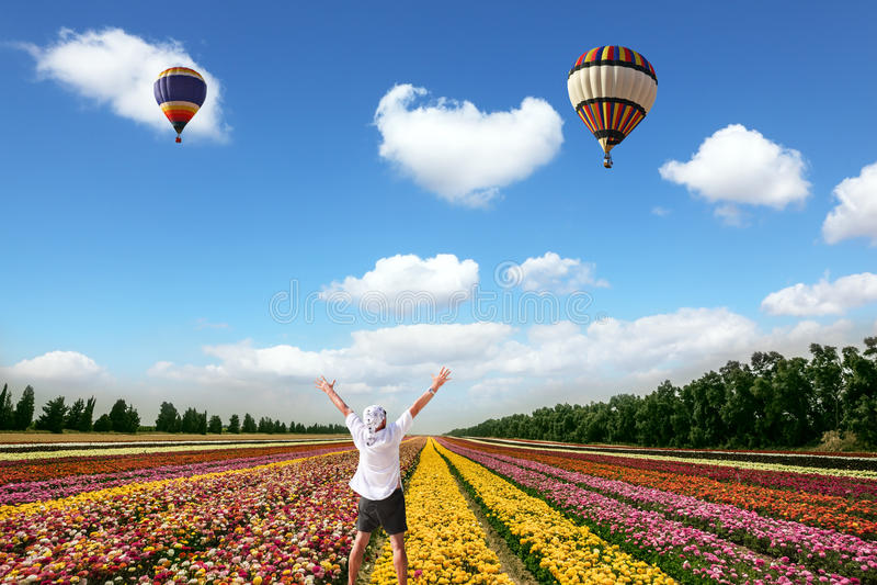 Entuzjastyczny turysta w bandanach fotografia stock
