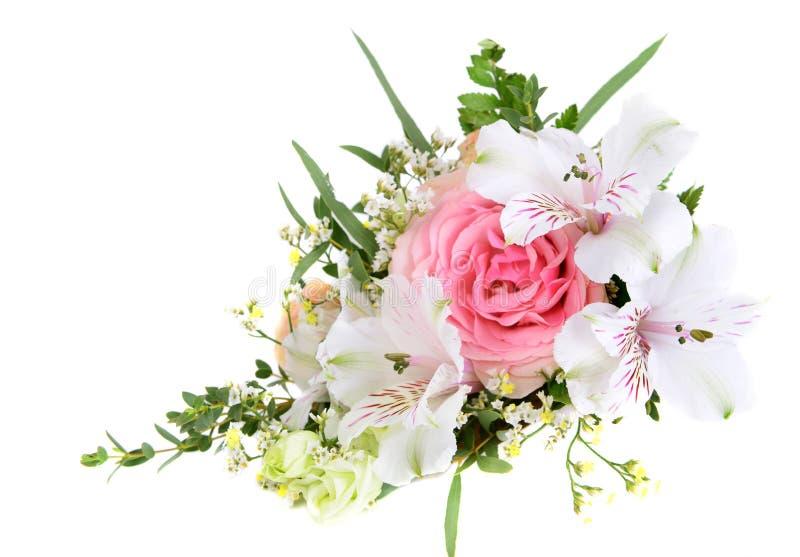 Entwerfen Sie Blumenstrauß von rosa und des Weiß blühenden Blumen lizenzfreie stockbilder