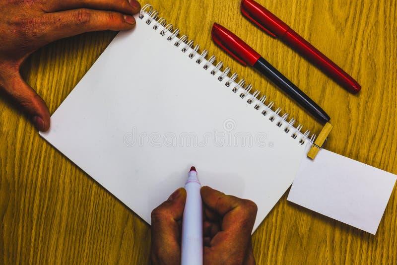 Entwerfen Sie Planschablone der leeren Schablone des Gesch?fts unbedeutende grafische f?r die Werbung stockfotos