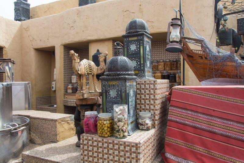 Entworfene Dekorationen im arabischen Restaurant lizenzfreie stockfotografie