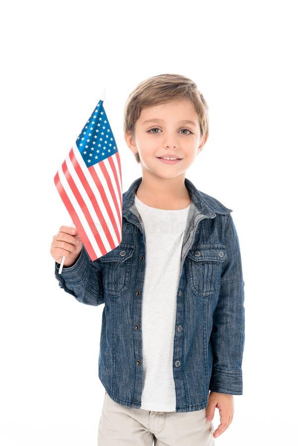 entzückender kleiner Junge mit USA-Flagge lizenzfreies stockbild