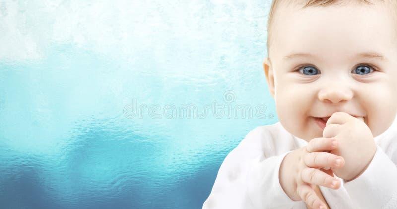 Entzückendes Baby lizenzfreies stockbild