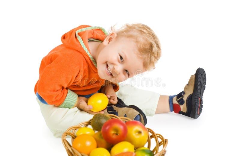 Entzückendes Kind, auf weißem Hintergrund stockbild