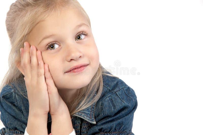 Entzückendes kleines Mädchen lizenzfreies stockbild