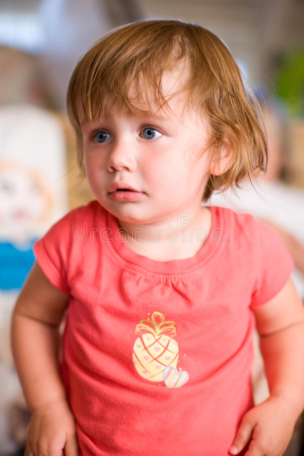 Entzückendes Kleinkind-Baby. stockfoto