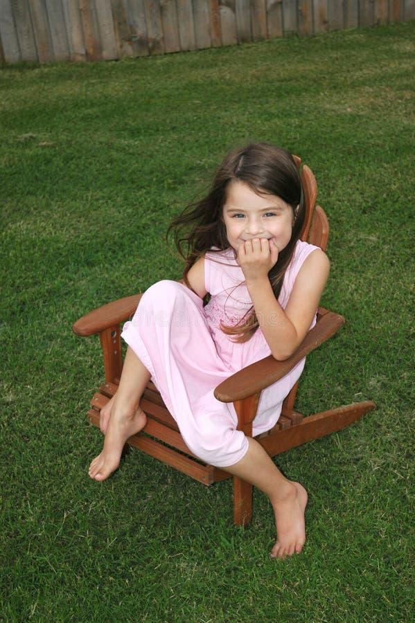 Entzückendes Mädchen-Lachen stockfotos